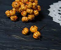 Тыква оранжевая на проволоке 3 шт