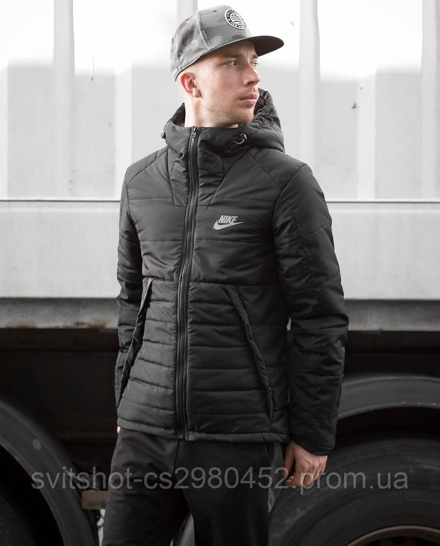 Курточка осеняя на тинсулейте Nike, черная