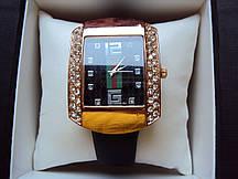 Наручные часы Gucci 2039