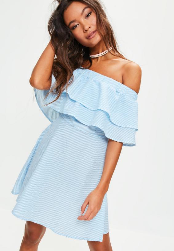 Платье в полоску с открытыми плечами Missguided