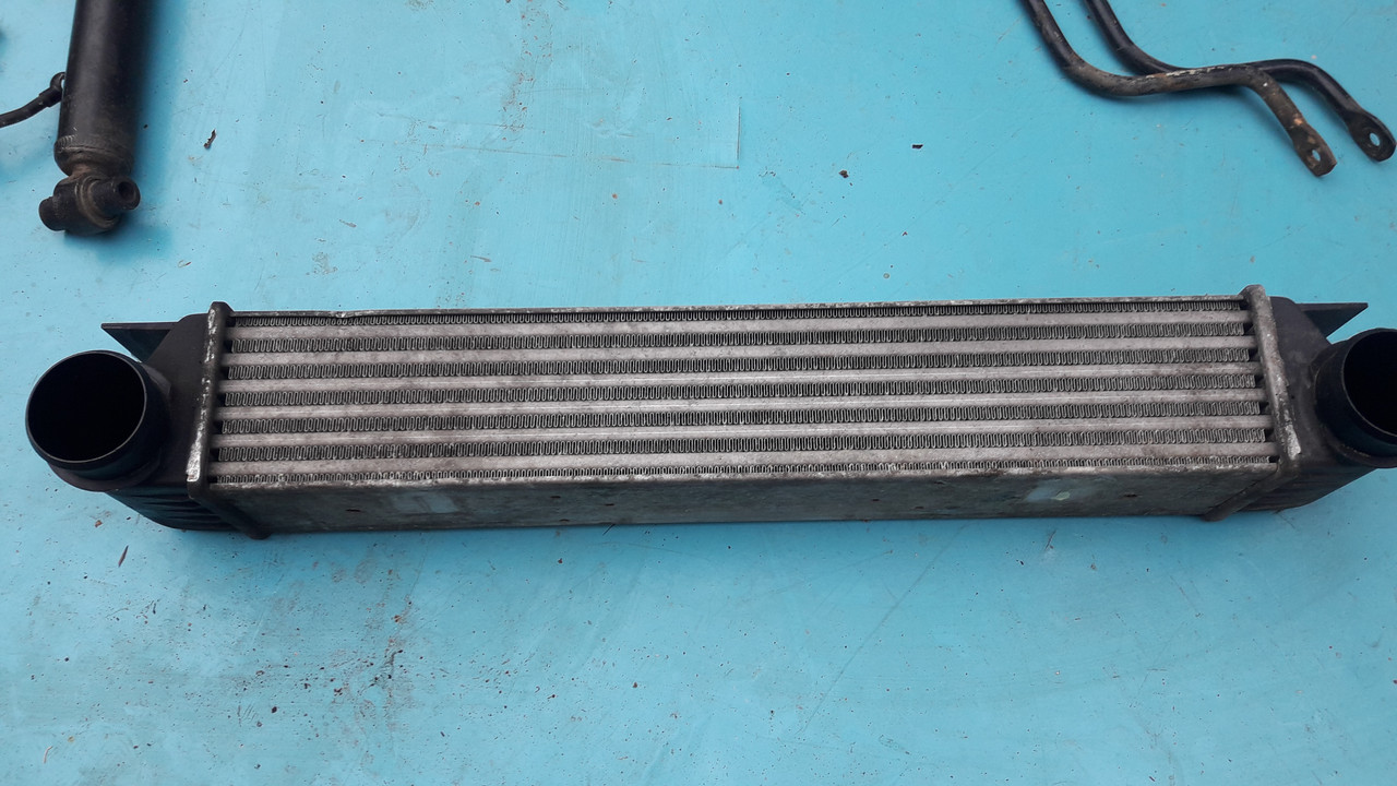 Радиатор интеркулера бмв е38 е39 м57 м47 BMW E38 E39 M57 17512247359