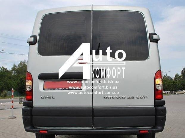 Заднее стекло, левое, с Э. О. Renault Master, Opel Movano, Nissan Interstar (97-09)