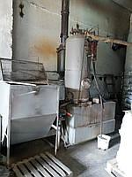 Паровой котёл РИ-5М на газогенераторе (дожигателе) и бункером подачи топлива.