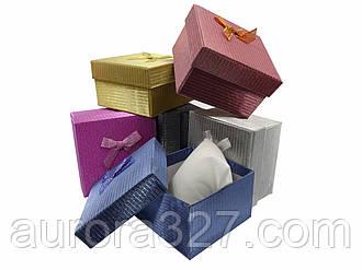 """Подарункова коробочка """"подушка"""" Ажурна 9 х 9 х 5,5 см"""