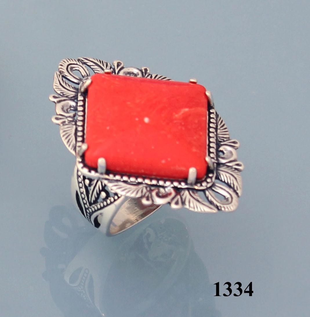 Кольцо из серебра с реконструкцией карала.