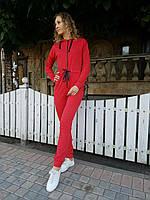 Стильный женский спортивный комбинезон с капюшоном красный