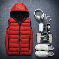 Теплая мужская красная жилетка с капюшоном