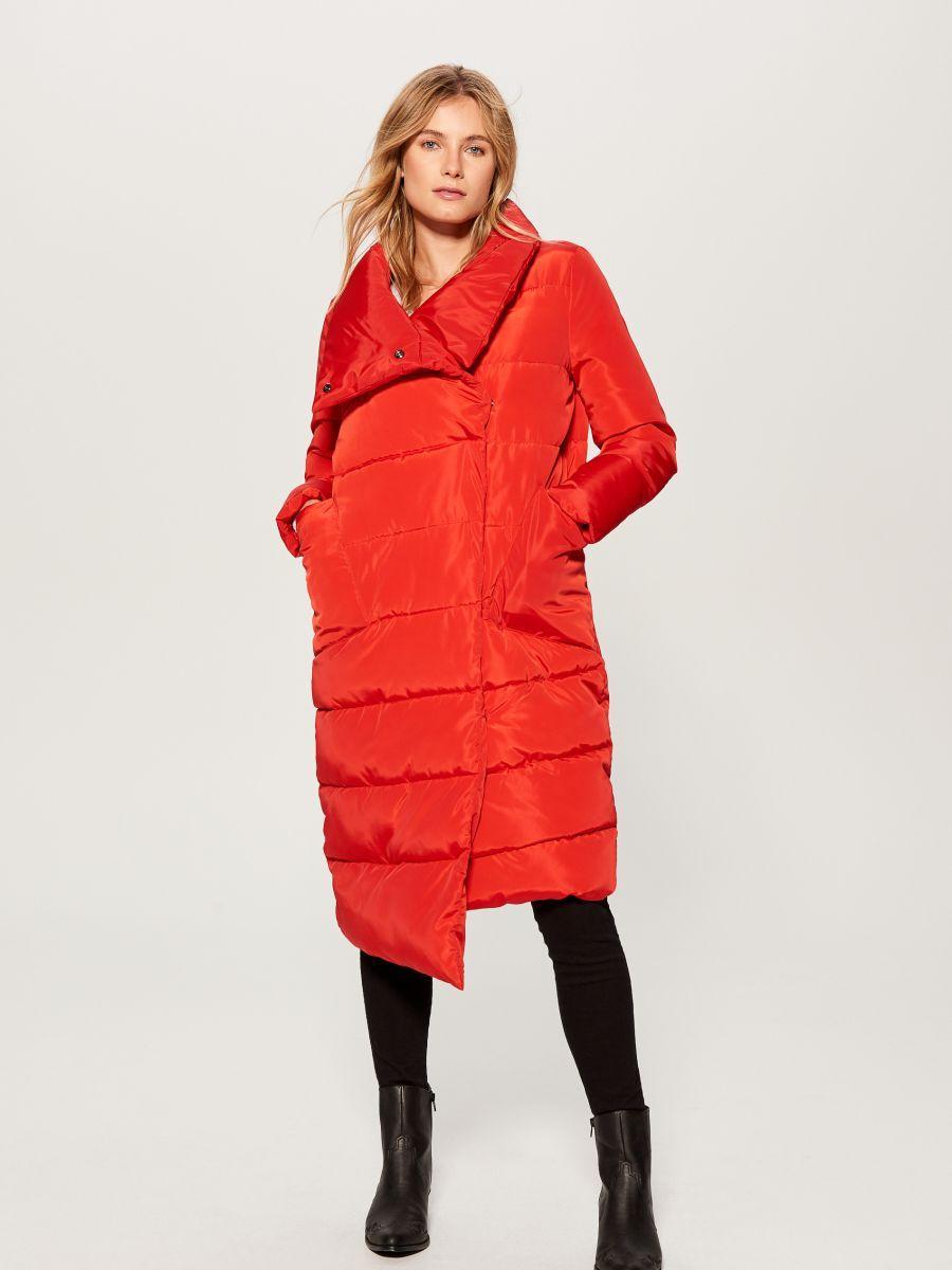 Пальто с с асимметричным кроем красного цвета TM Mohito - Интернет-магазин