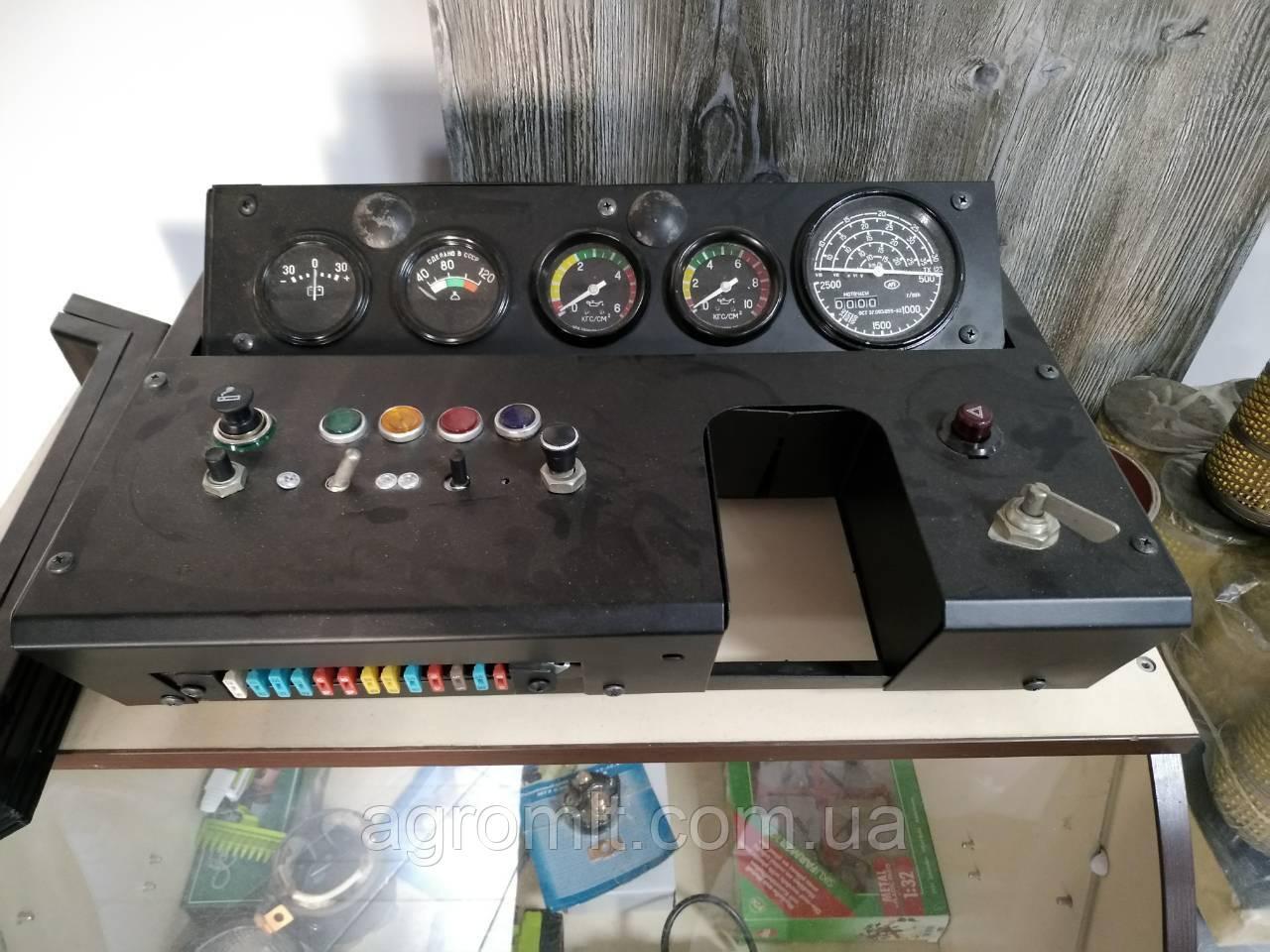 Щиток (панель приборов) приборов кабины МТЗ-80/82 старого образца
