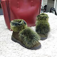 Ботинки зимние с натуральным мехом из искусственной замши на плоской подошве зеленые