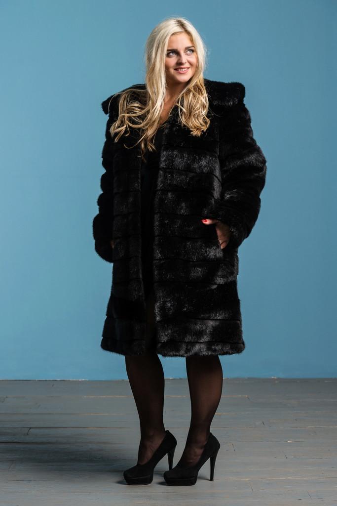 Шуба женская из искусственного меха 124 черная Размеры: 48, 50, 52, 54, 56, 58, 60, 62, 64