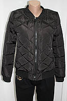 Куртка осенняя женская, с утеплителем, на молнии, черная, с пчелой, фото 1