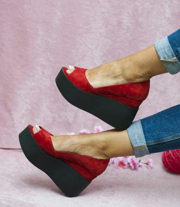 Красные замшевые туфли на платформе с открытым носком 36-40 р