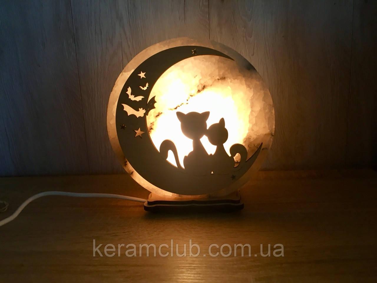 """Соляной светильник """"Котики на луне"""""""