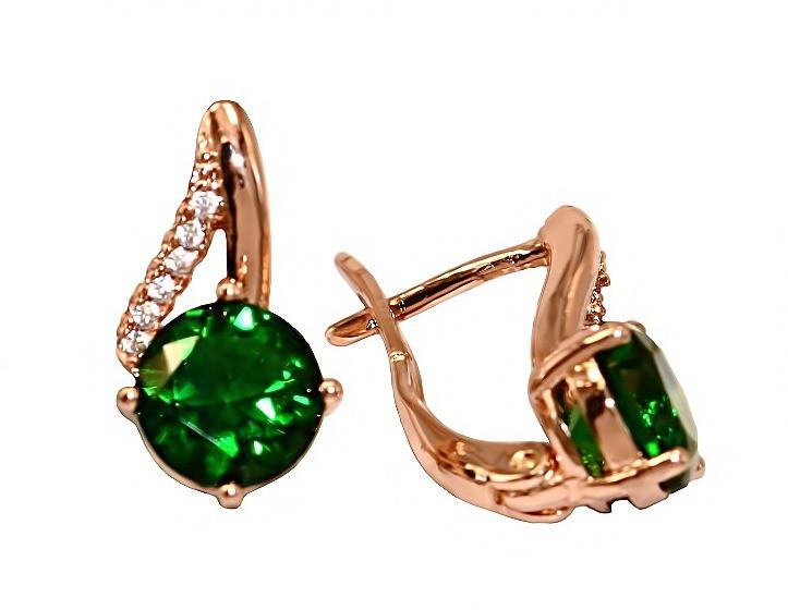 Серьги фирмы XР. Цвет:позолота с кр.от. Камни: зеленый  и белый циркон. Высота серьги: 1.5 см. Ширина: 8 мм.