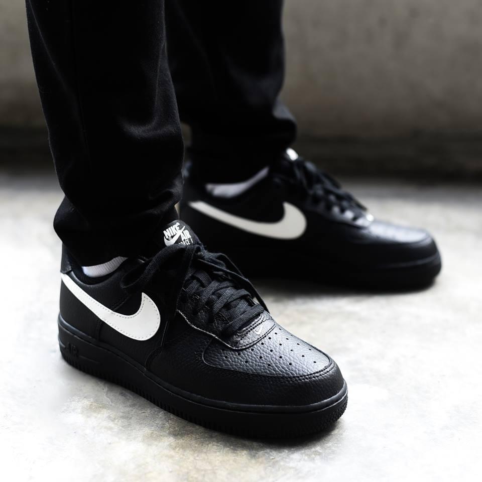 Мужские кроссовки Nike Air Force 1 `07 ( Реплика )
