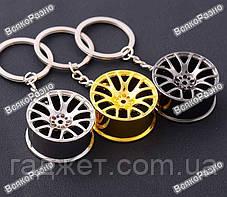 Брелок на ключи автомобильный литой диск. Брелок серебристого цвета., фото 2