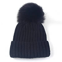 Женская зимняя шапка с большим помпоном однотонная черная