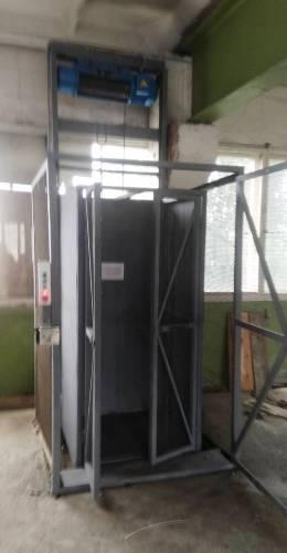 Складской электрический грузовой подъёмник-лифт г/п 500 кг. Подъёмники -Лифты складские под заказ. Монтаж ..
