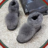 Ботинки зимние с натуральным мехом из искусственной замши на плоской подошве серые