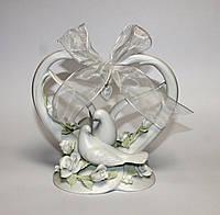 Фарфоровая статуэтка Сердце с голубями 16 см Pavone CMS - 10/23