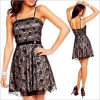 Бежевое платье с черным гипюром