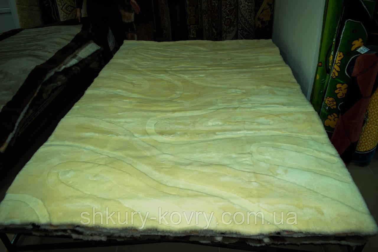 Килим з мутона бежевого кольору, купити килими пісочного кольору в Одесі