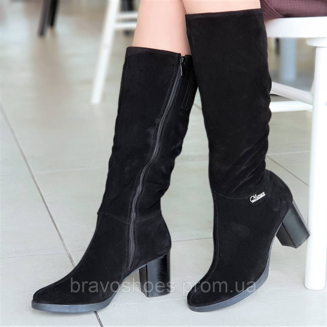 069bea057 Женские зимние модельные сапоги на широком каблуке натуральная замша черные  полушерсть стильные (Код: Б1252а
