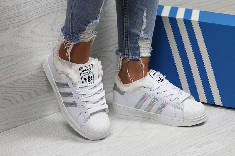 7390cdaab Топ продаж Кроссовки адидас суперстар женские зимние белые серебристые с  мехом (реплика) Adidas Superstar White Silver