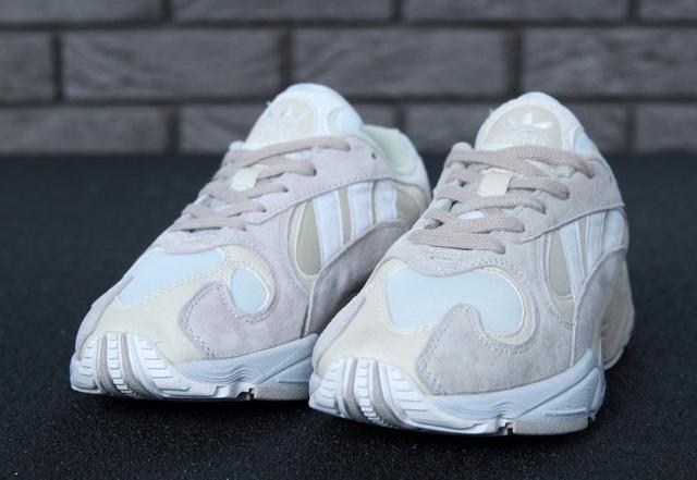 Женские кроссовки Adidas YUNG-1 White eca70f6010f33