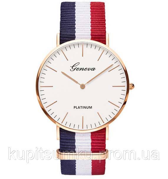 Классические часы Geneva.