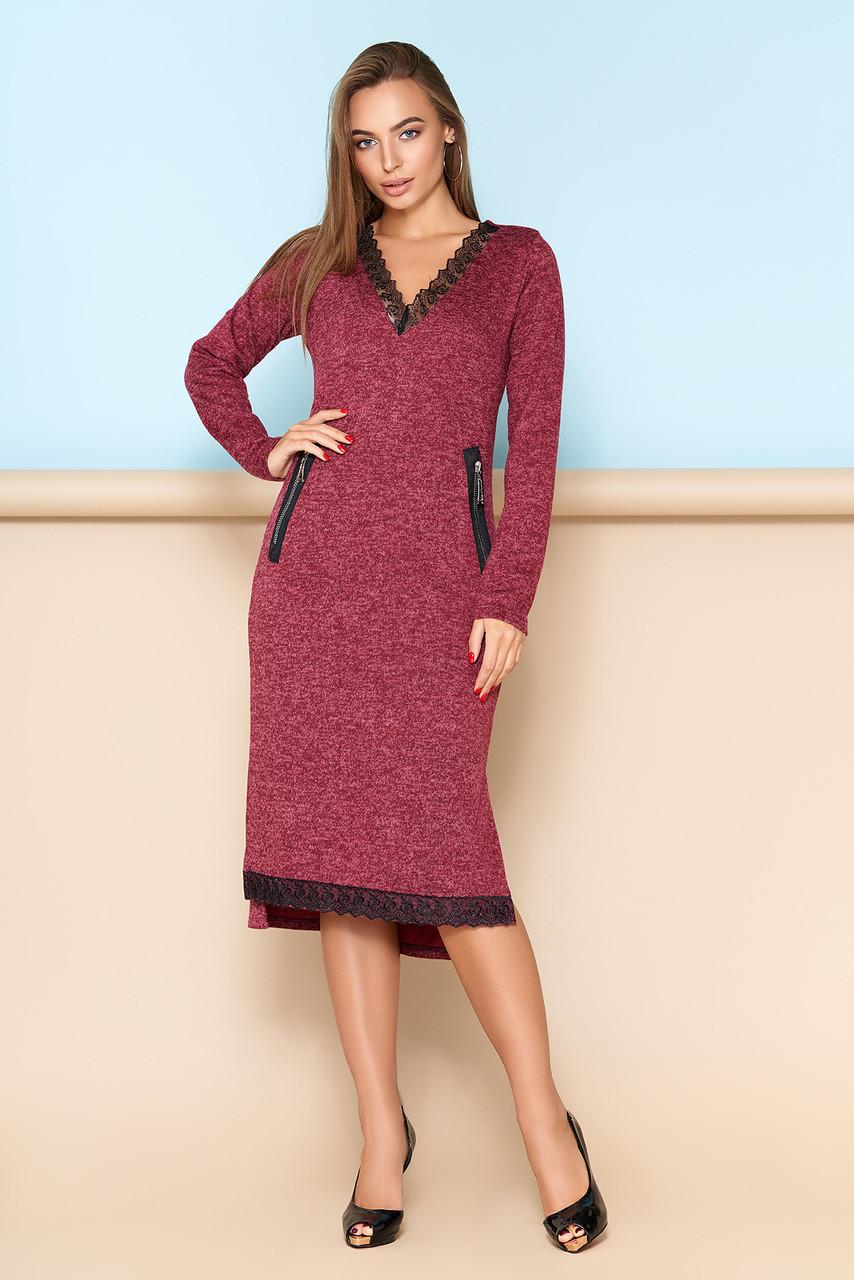 Женское платье с кружевной отделкой бордо