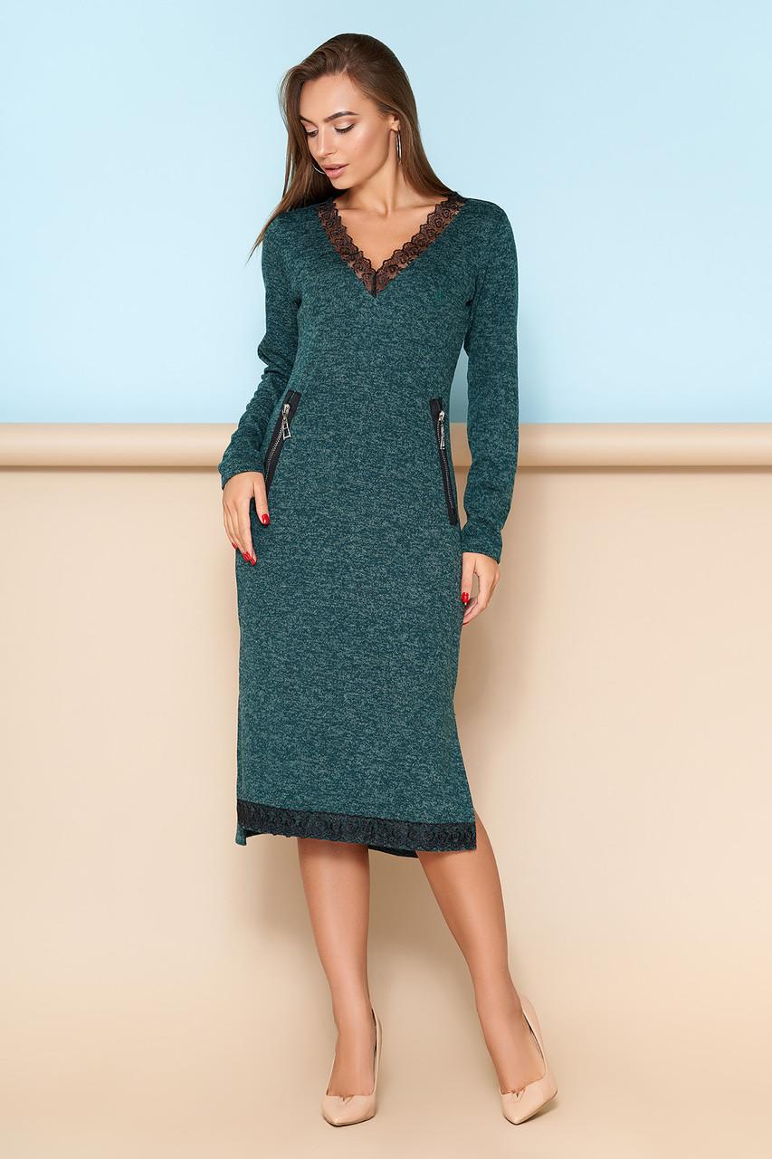 Женское платье с кружевной отделкой зеленое