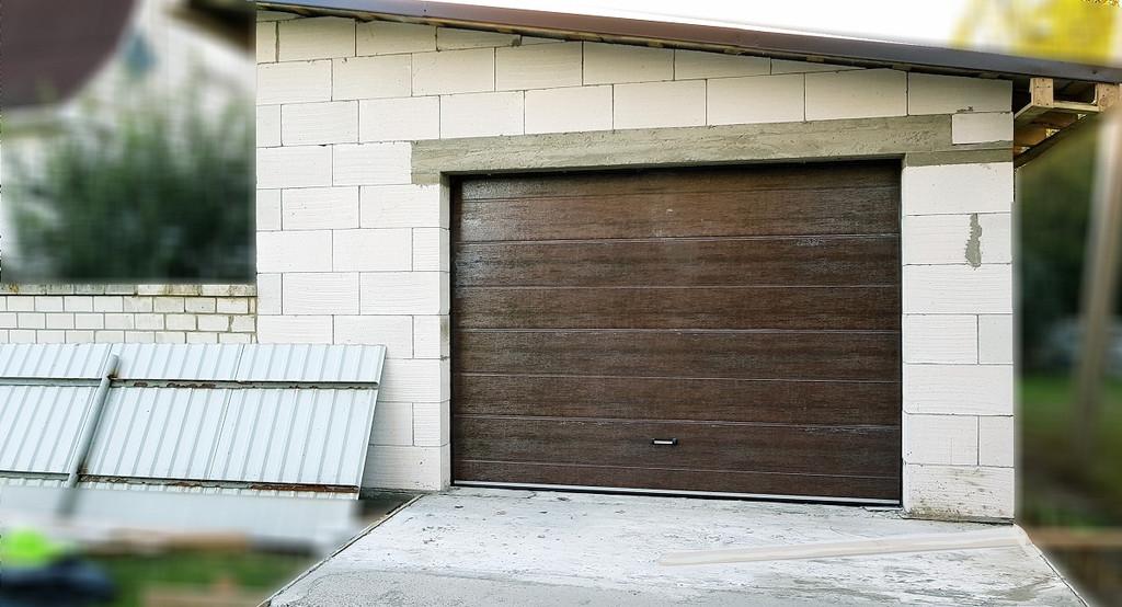 Автоматические гаражные ворота Doorhan в гараж в частный дом под Киевом (с. Гора)