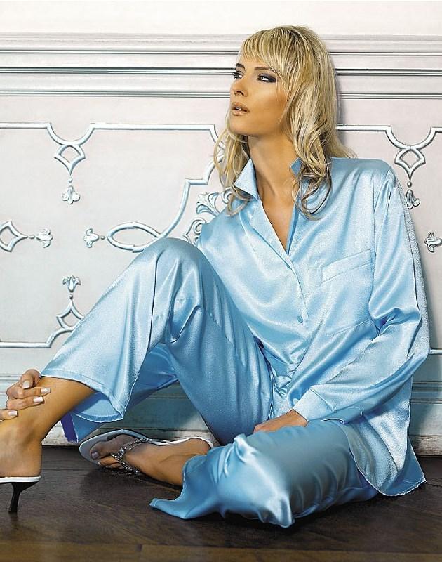 Жіноча шовкова піжама блакитного кольору в сучасному стилі Welle 803 Soft-peach