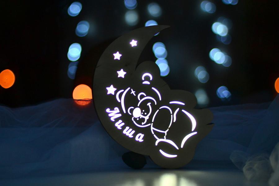 """Деревянный ночник для ребенка """"Мишка на месяце"""""""