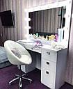 Широкий стол для макияжа, гримерный стол с большим зеркалом в раме и полочкой, фото 5