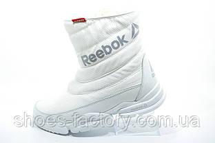 Белые спортивные зимние сапоги в стиле Reebok