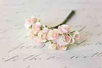 Декоративные бумажные цветочки, розы 1,5 см 12 шт/уп. на ножке кремово-розового цвета, фото 1