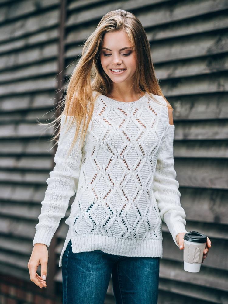 Красивый свитер с открытыми плечами (в расцветках 44-46)