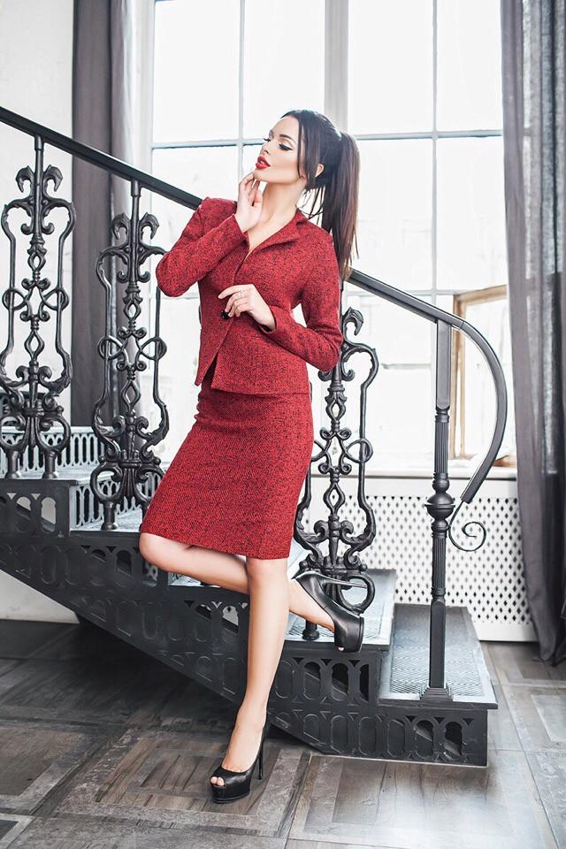 4f62398464a7 Красный женский костюм с юбкой букле с добавлением шерстяной нити.  Арт-7330/80 - Bigl.ua