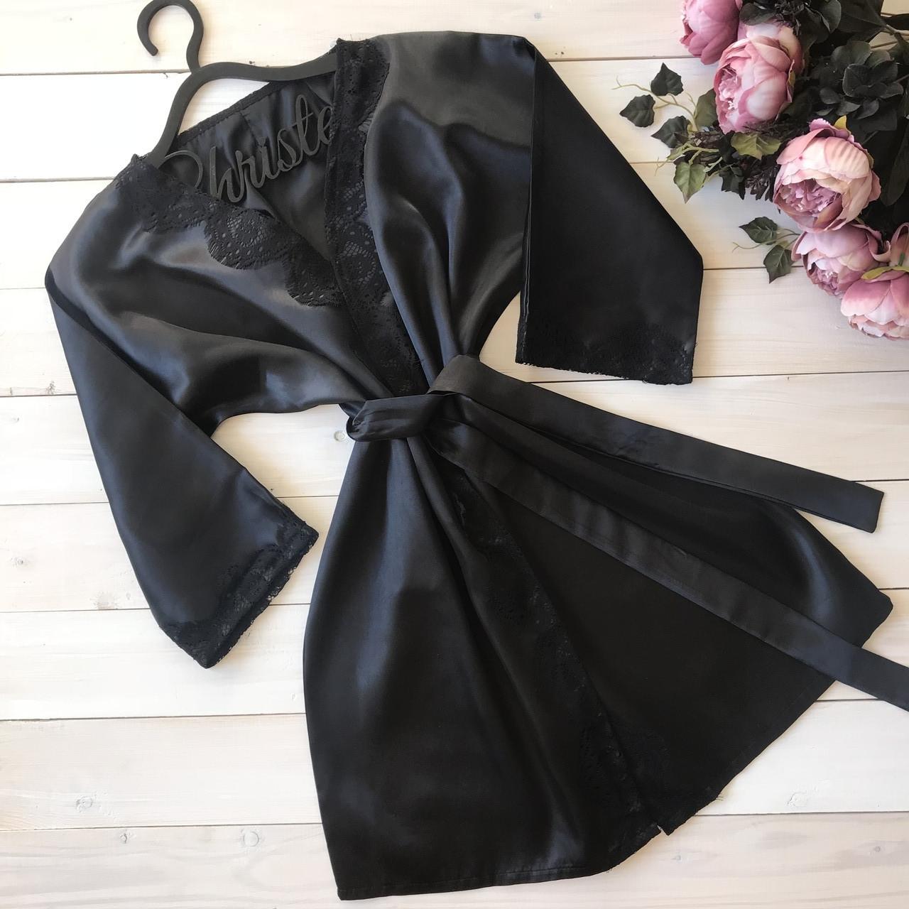 Атласный халат с кружевом
