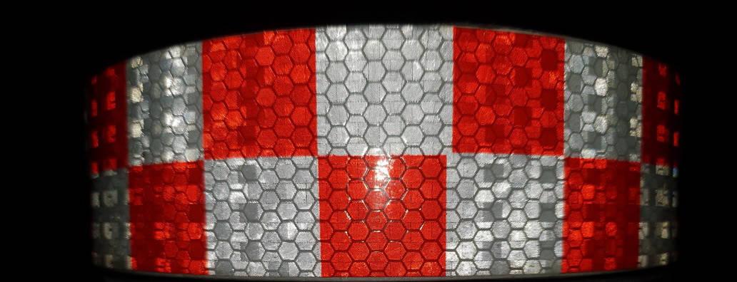 Світловідбиваюча самоклеюча кубики ЧЕРВОНО-БІЛА стрічка 5х100 см, фото 2