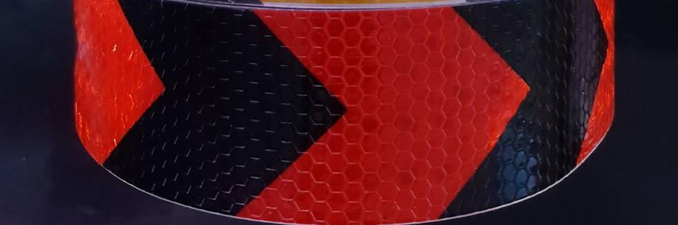 Світловідбиваюча самоклеюча стріла ЧОРНО-ЧЕРВОНА стрічка 5х100 см, фото 2