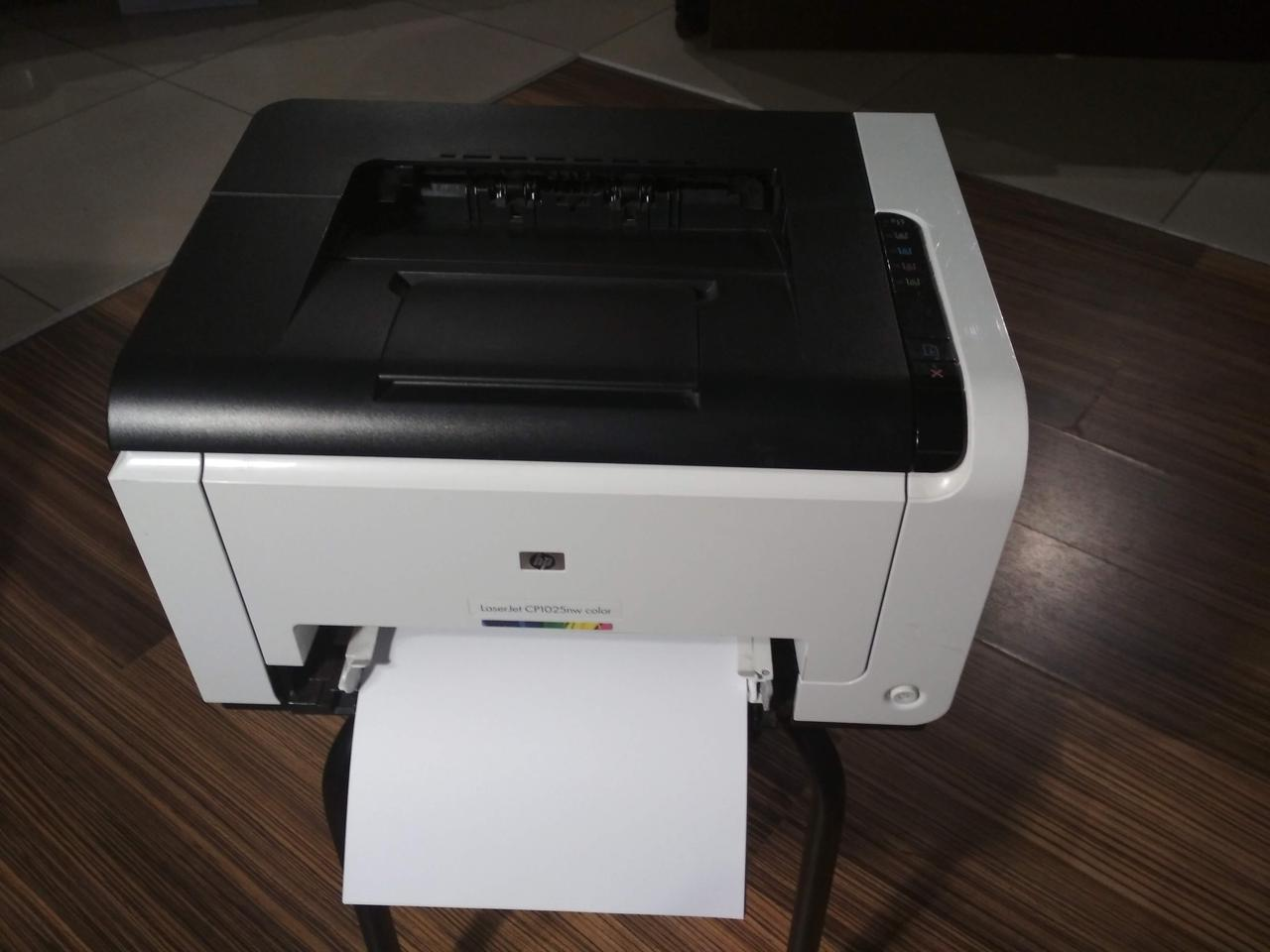 Принтер HP Color CP1025NW б\у