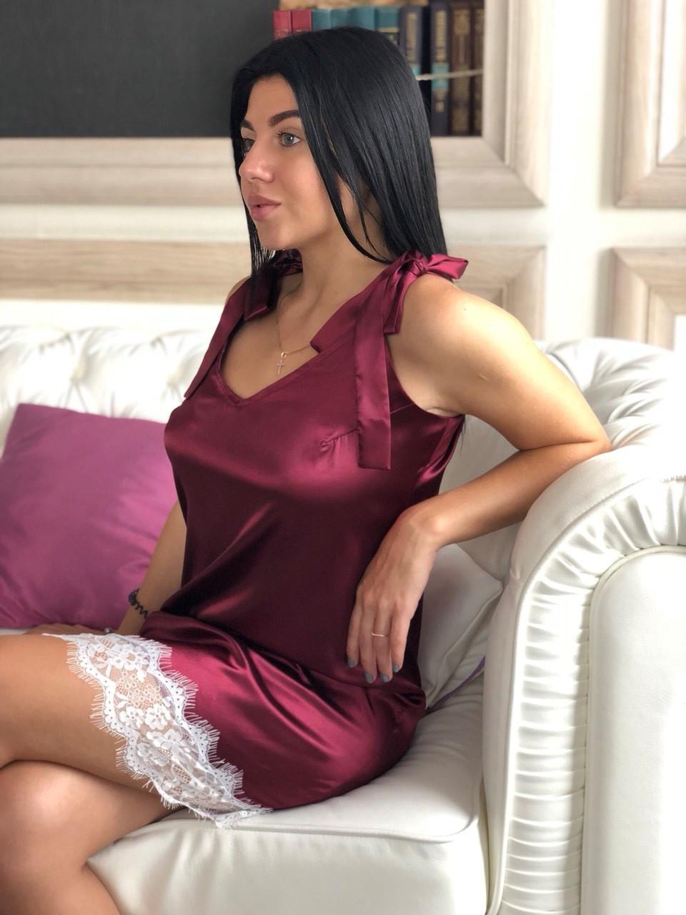 Атласная женская домашняя одежда ТМ Exclusive, вишневый пеньюар с белым кружевом
