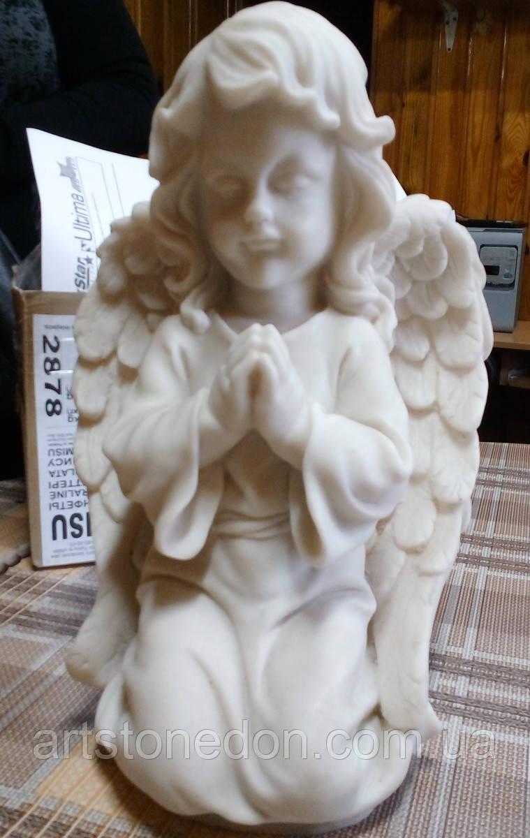 Скульптура для памятников. Скульптура Ангел на коленях №9 из мрамора 32 см