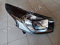 Новая оригинальная фара Renault Trafic 2014+ 260101161R