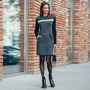 Вязаное платье-свитер Милана графит с салатовыми лампасами