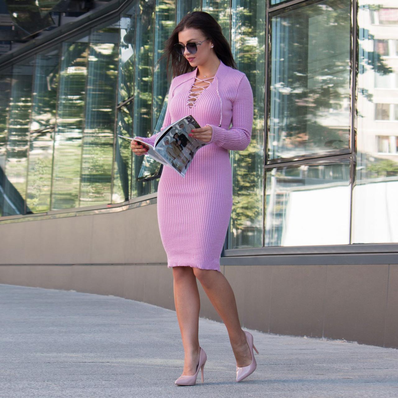 Вязаное платье миди с шнуровкой на декольте Рианна розовое